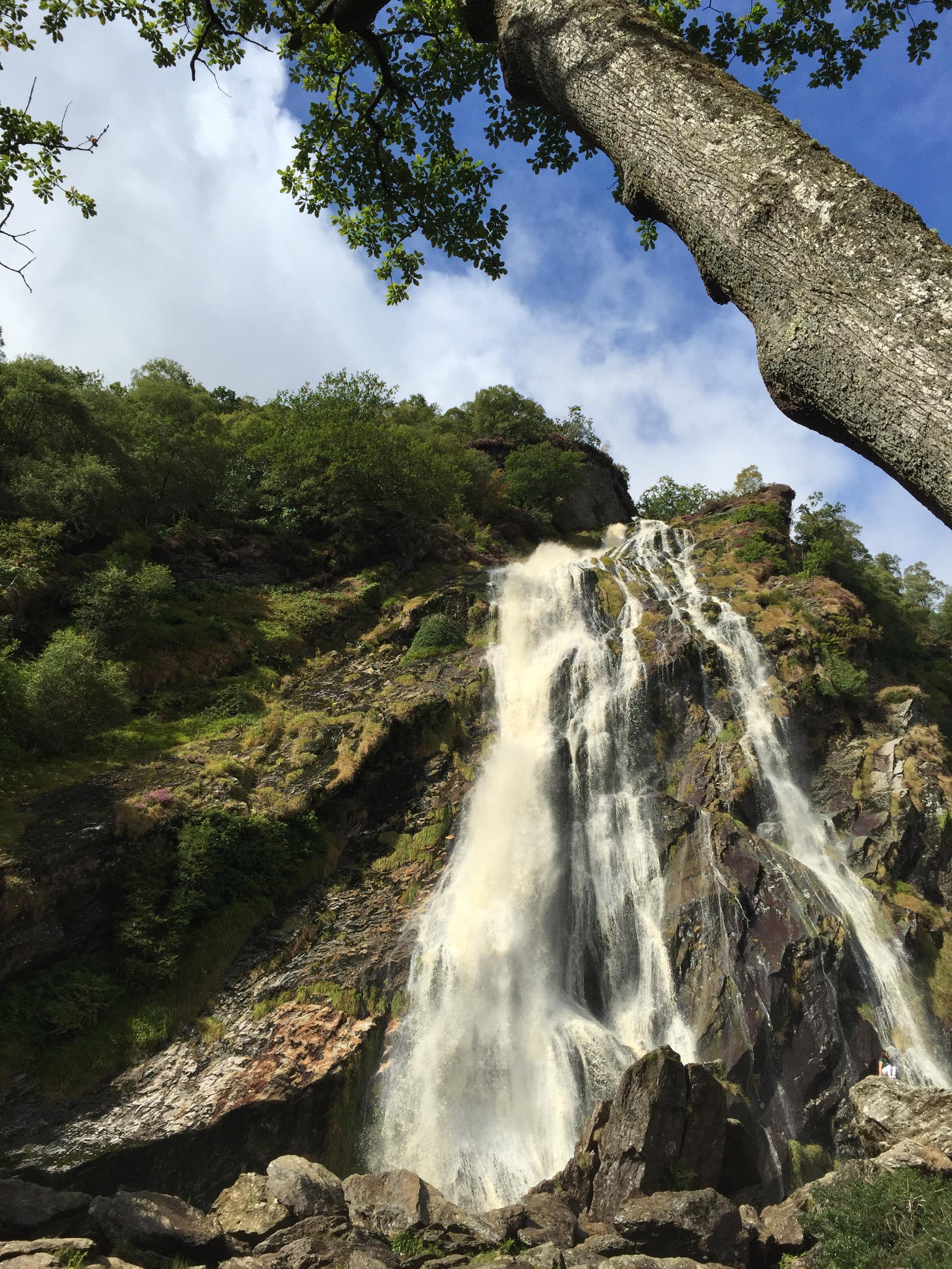 powerscourt_waterfall.jpg