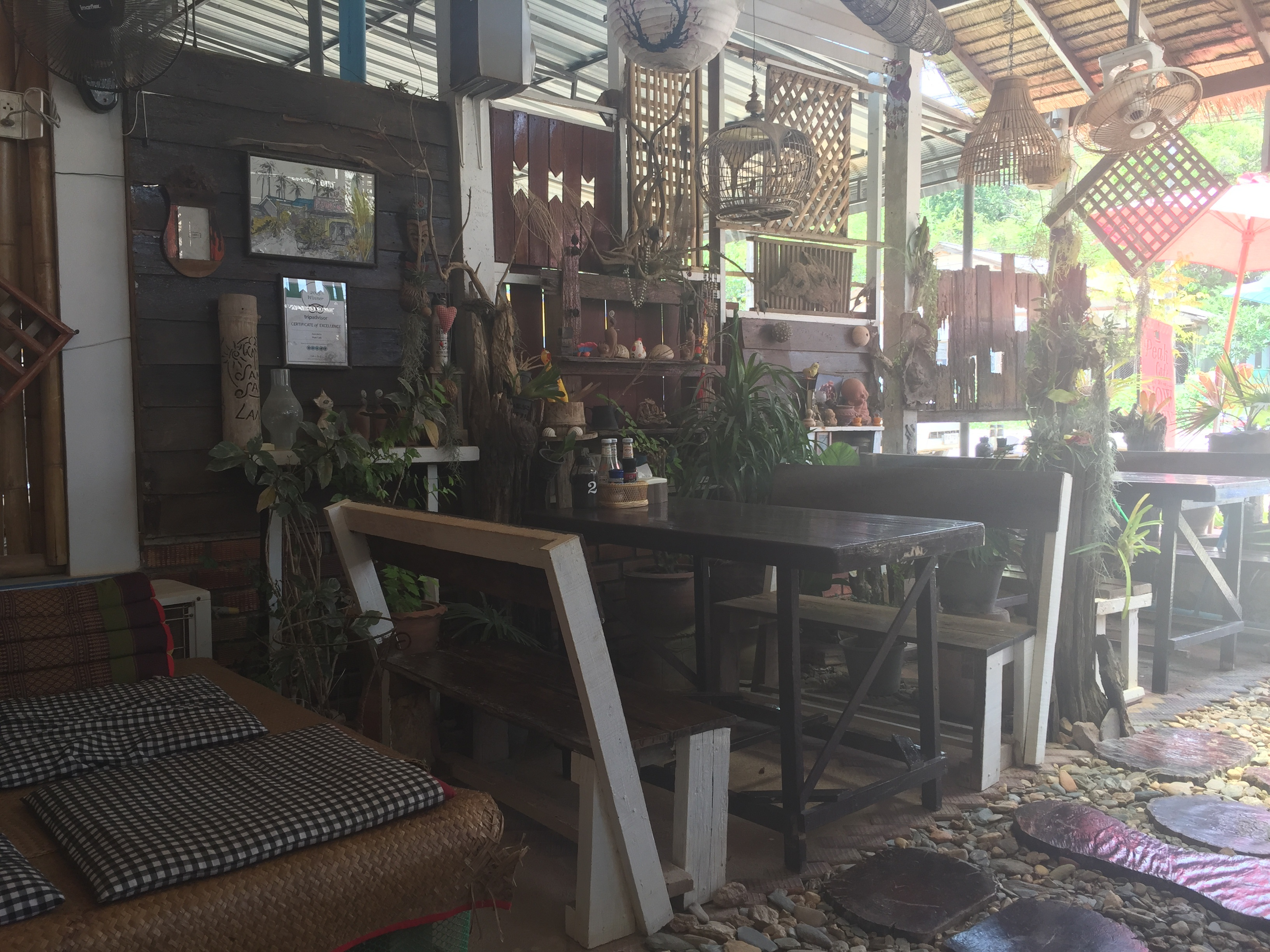 peak_cafe_koh_lanta